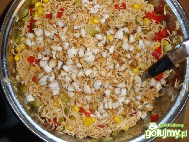 Sałatka z zupek chińskich 10