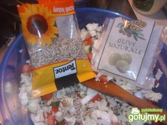 Sałatka ze słonecznikiem i fetą