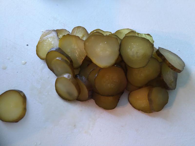 Sałatka ziemniaczana z białą kiełbasą