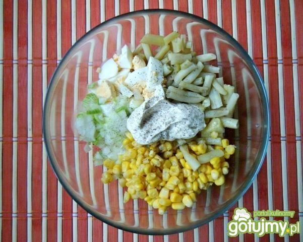 Sałatka ziemniaczana z fasolką