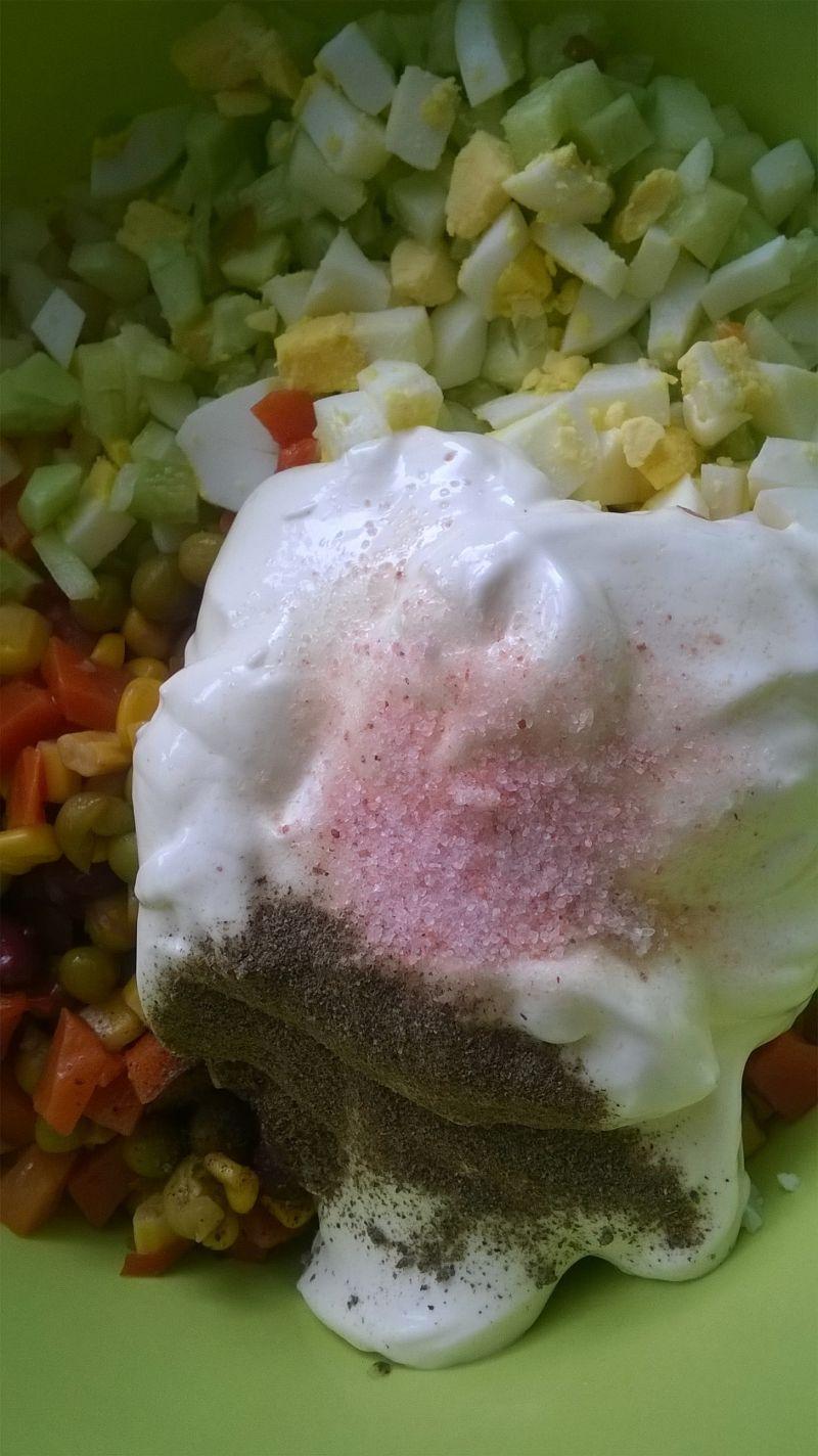 Sałatka ziemniaczana z ogórkiem i jajkiem