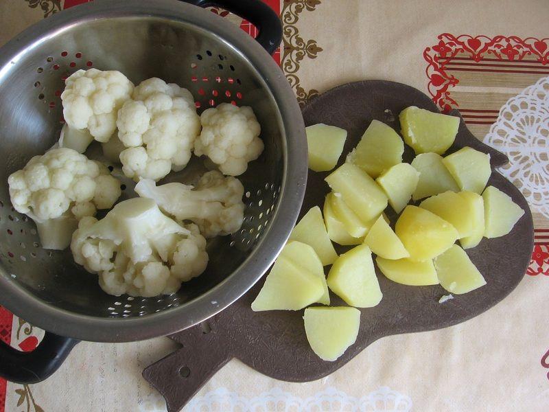 Sałatka ziemniaczano-kalafiorowa