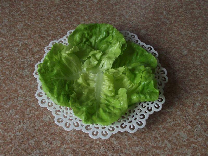Sałatkowa mozaika warzywna z serem camembert