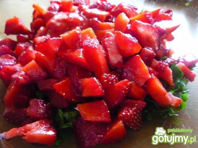 Salsa truskawkowo- balsamiczna