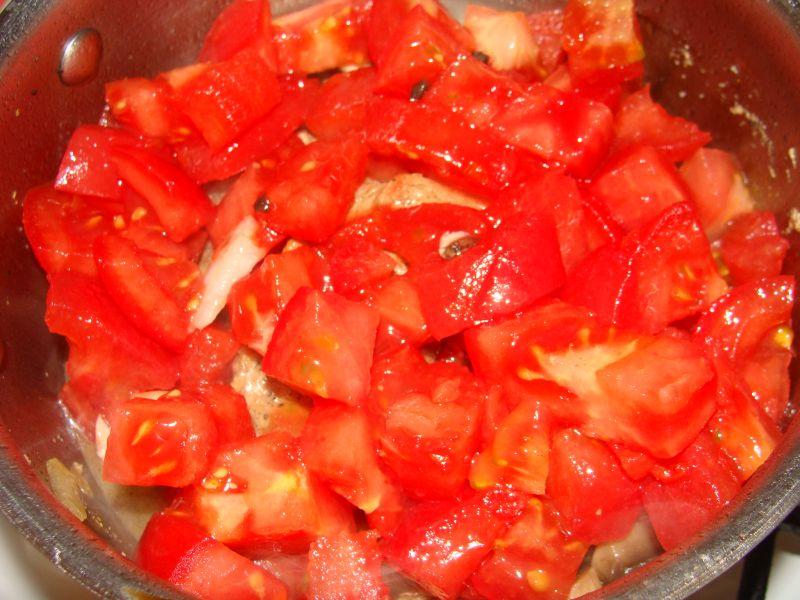 Schab duszony w pomidorach