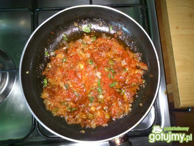schab pod pomidorowo kaparową pierzynką