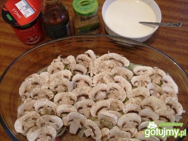 Schab z pieczarkami pod pysznym sosem