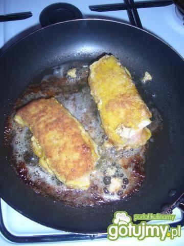 Schabowe rolady z wędliną i żółtym serem
