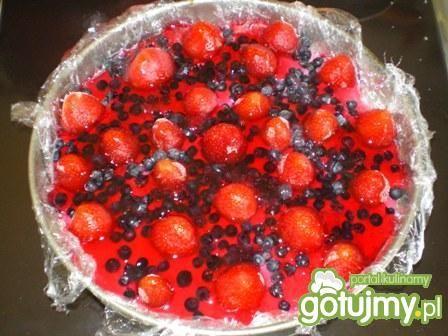 Sernik jogurtowy na zimno z owocami