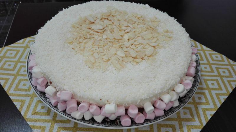 Sernik kokosowy Rafaello