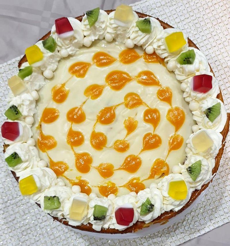 Sernik z białą czekoladą i mango