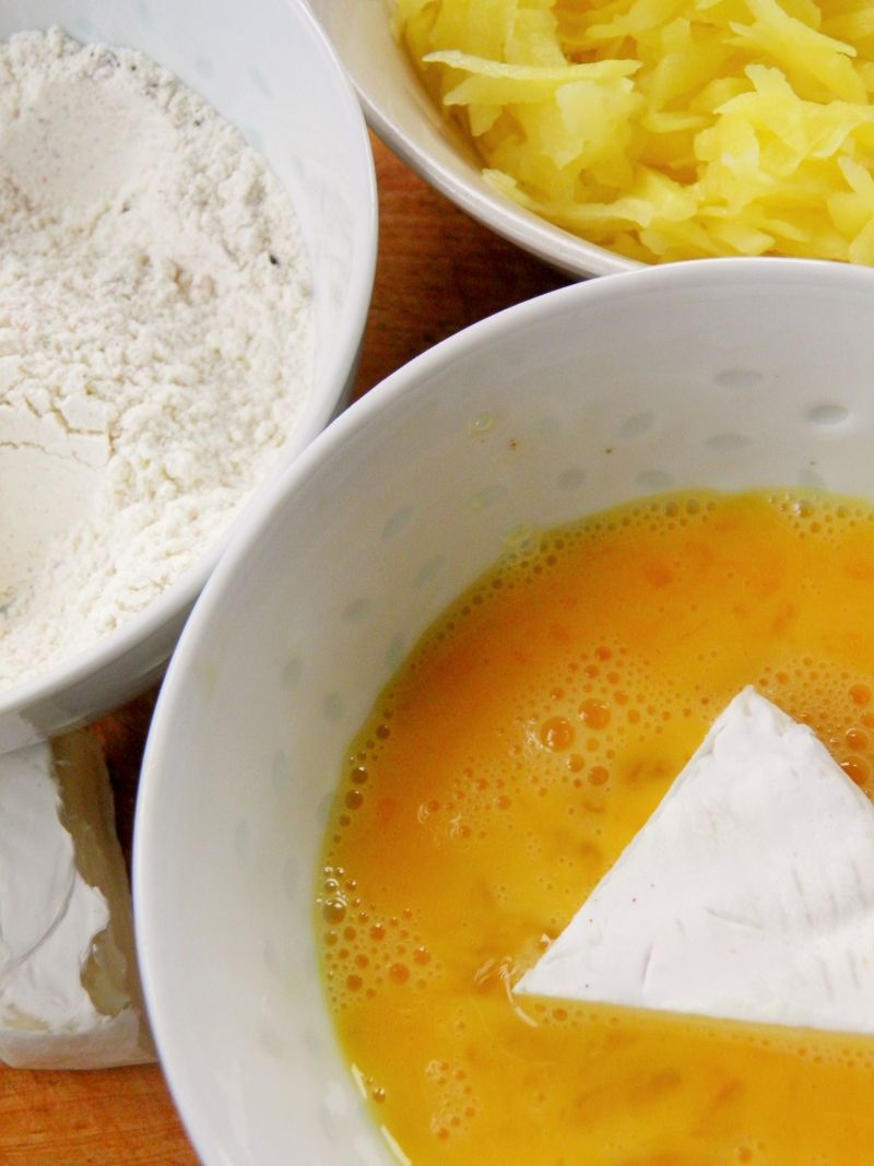 Smażony ser pleśniowy w panierce ziemniaczanej