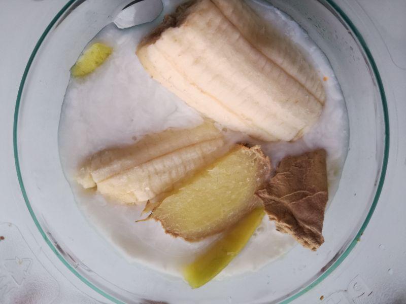 Smoothie z mleczka kokosowego i mango