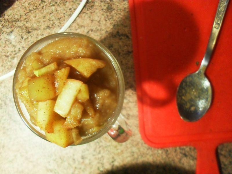 Śniadanie jogurtowo jabłkowe