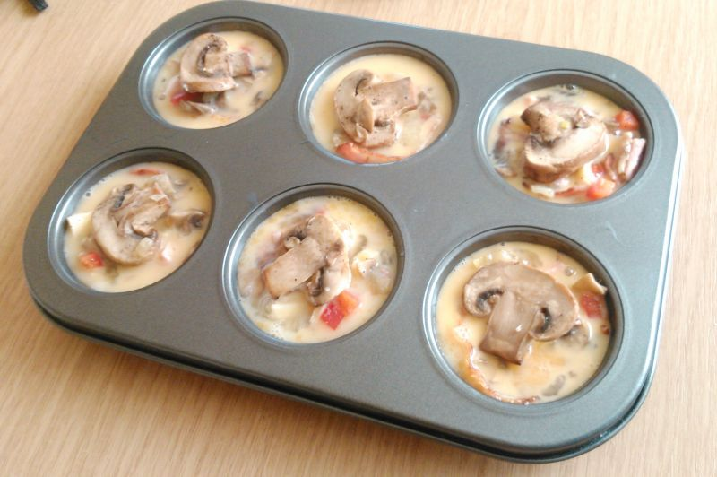 Śniadaniowe muffiny jajeczne