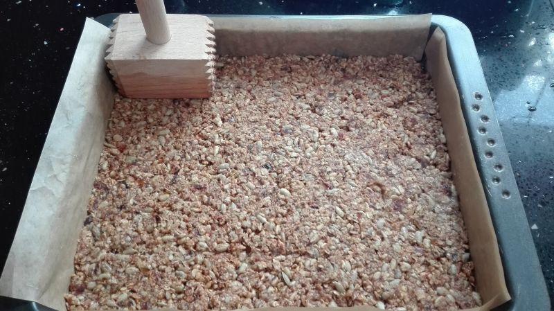 Śniadaniowy baton granola