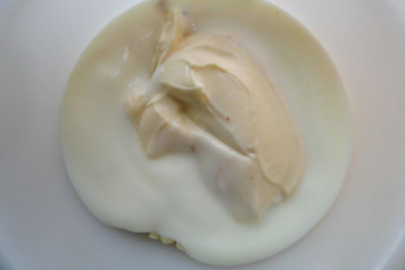Sos czosnkowo koperkowy