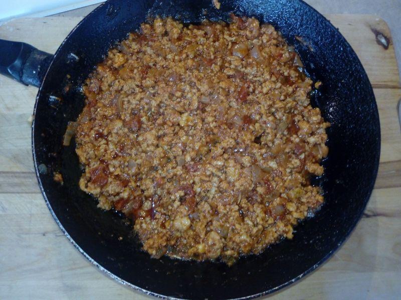 Sos mięsny do makaronu z suszonymi pomidorami