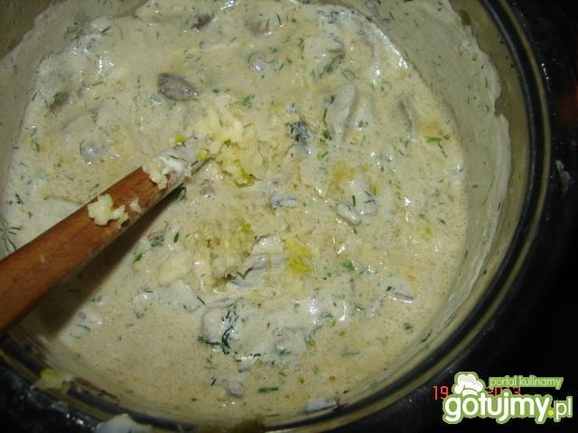 Sos pieczarkowy z koperkiem na ziemniaka