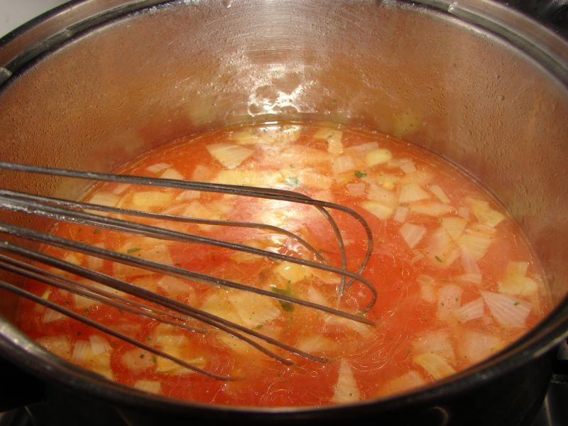 Sos pomidorowo-cebulowy