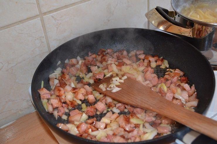 Spaghetti carbonara - pyszne danie i dosc szybkie