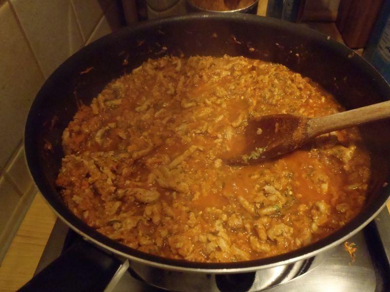 Spaghetti mięsne z cukinią