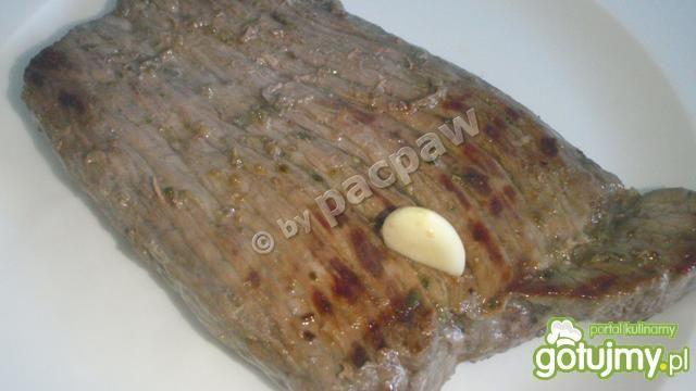 Stek wołowy z masłem szalotkowym