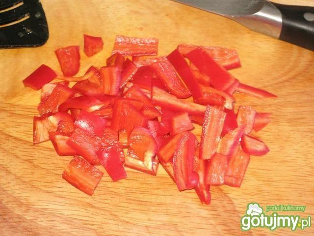 Surówka z cukini i papryki czerwonej