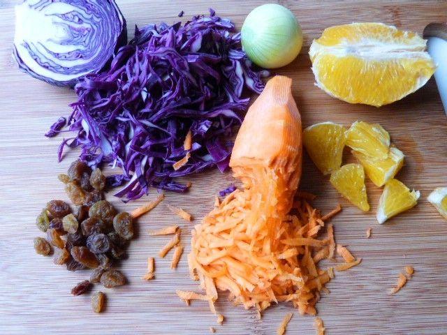 Surówka z kapusty czerwonej z pomarańczą