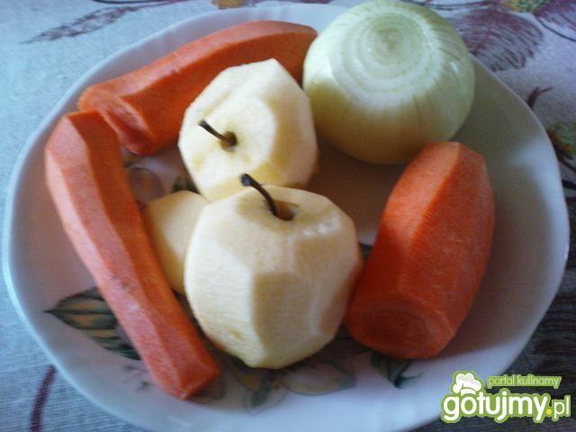 Surówka z kiszonej kapusty z jabłkiem