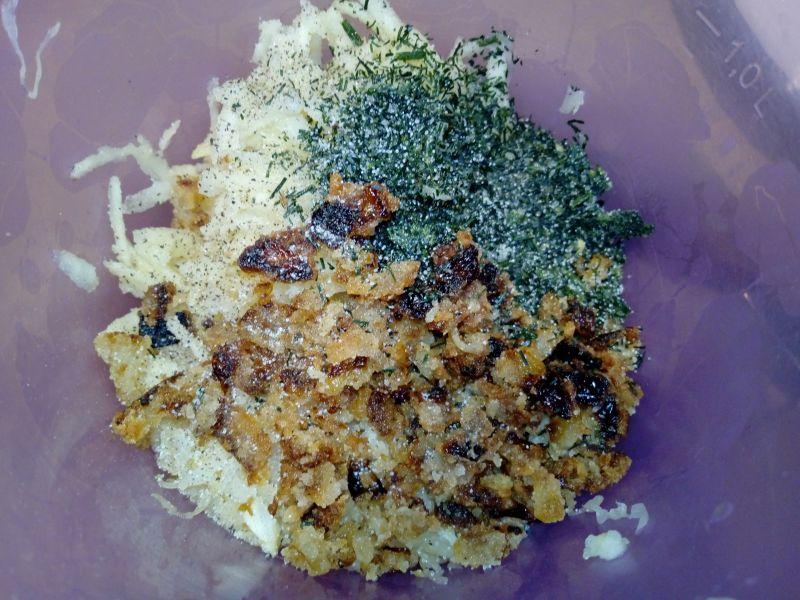 Surówka z kiszonej kapusty z prażoną cebulką
