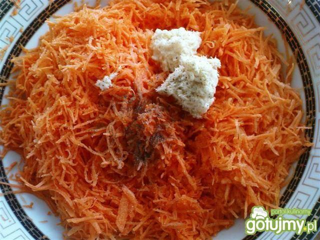 Surówka z marchewki z chrzanem 6