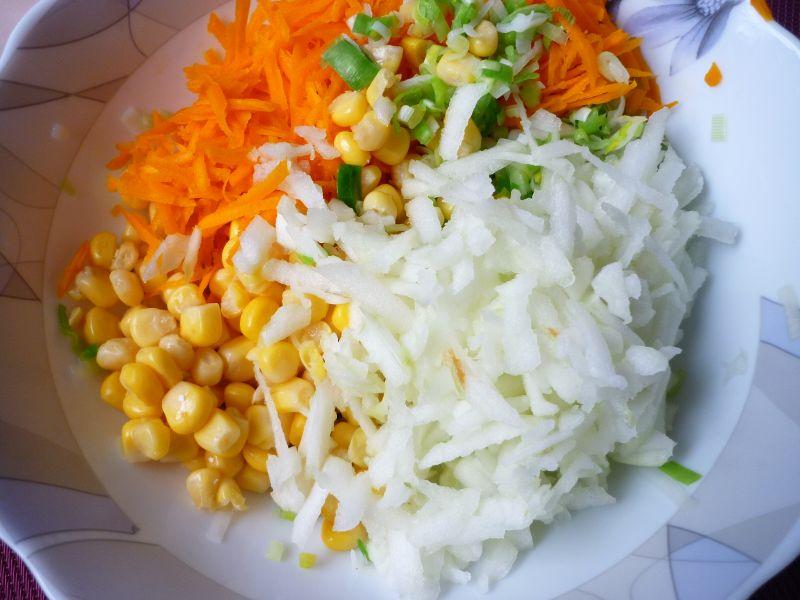 Surówka z pora, dyni i kukurydzy