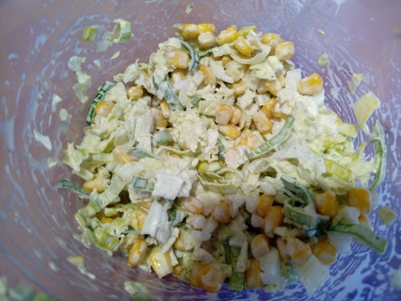 Surówka z porem i kukurydzą