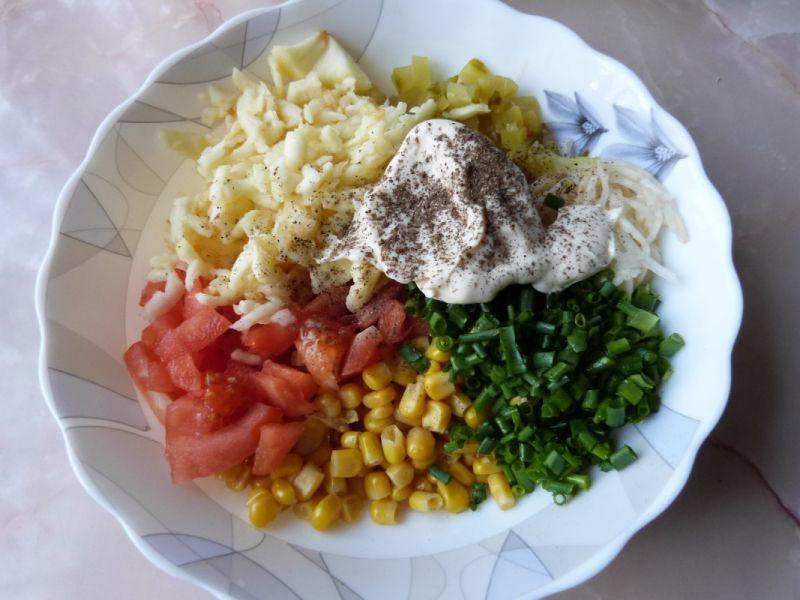Surówka z selera  pomidorów