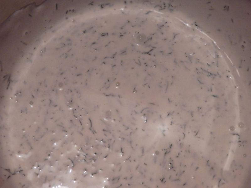 Surówka z sosem koperkowym
