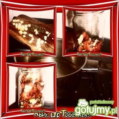 Suszone pomidory z serem i kaparami