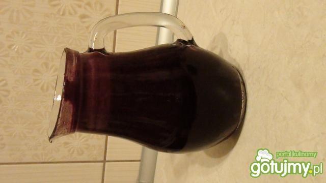 Świeży sok jabłkowo-aroniowy