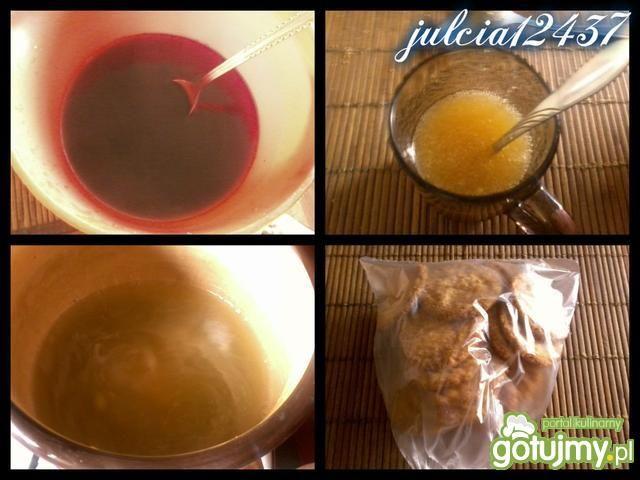 Szafirowy sernik truskawkowy z jagodami
