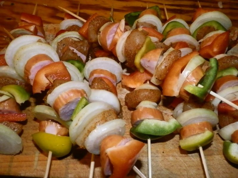 Szaszłyki drobiowo-warzywne z piekarnika