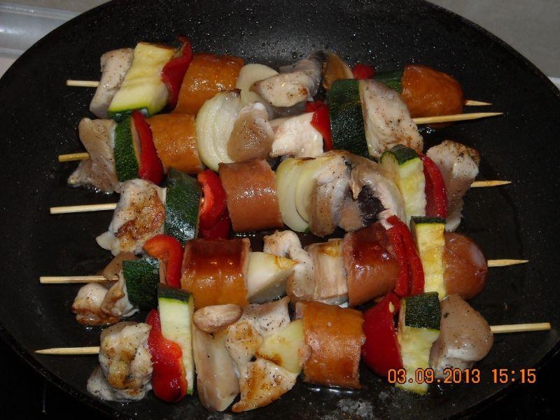 Szaszłyki mięsno-warzywne