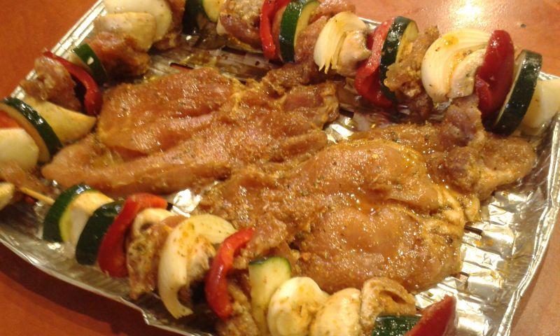 Szaszłyki warzywne z polędwiczką wieprzową