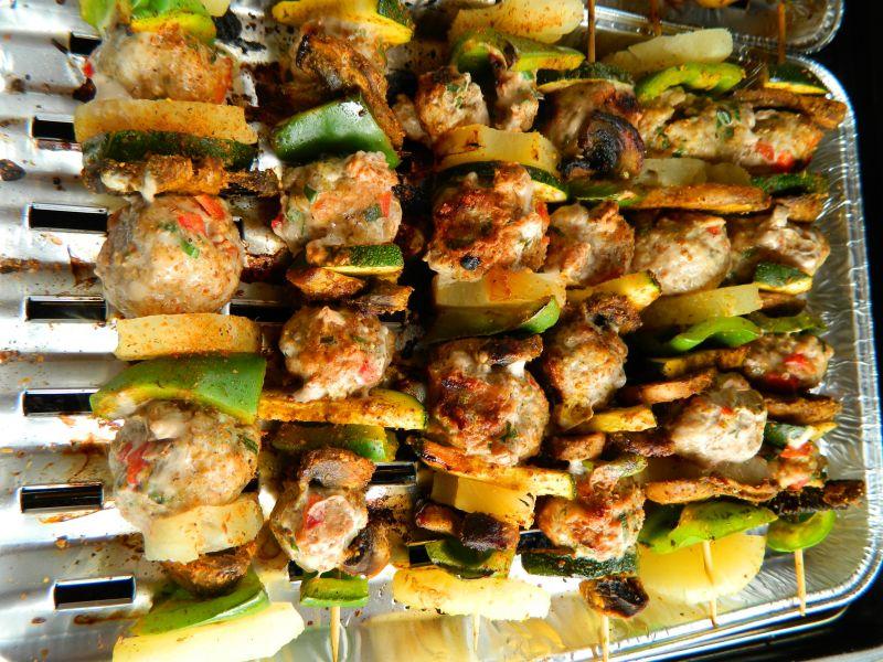 Szaszłyki z pulpecikami z mięsa mielonego