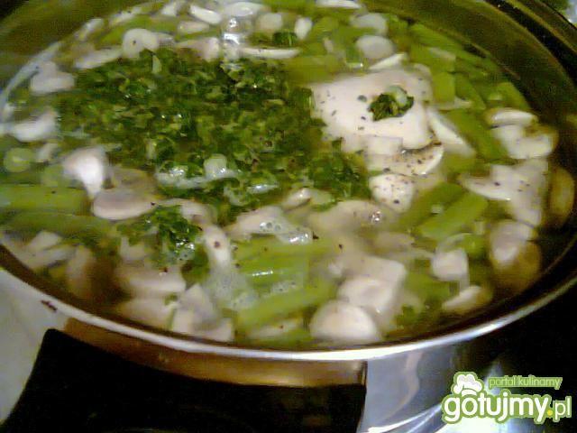 Szpinakowa zupa-krem z zieloną fasolką