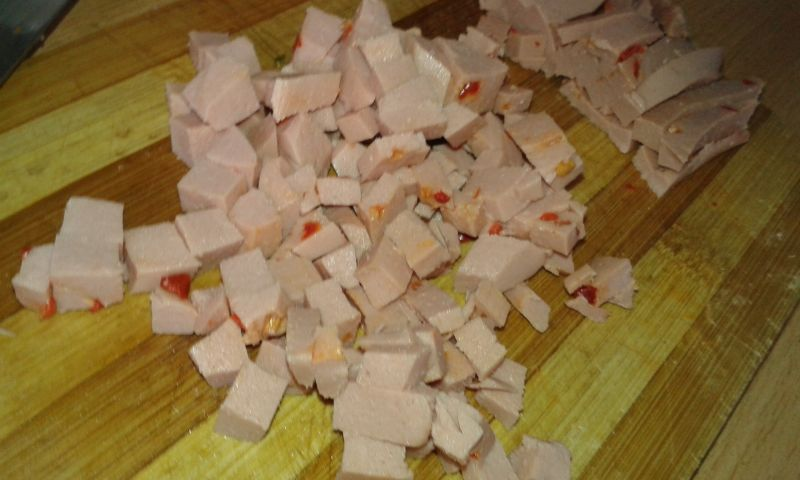 Szybka sałatka z mortadelą