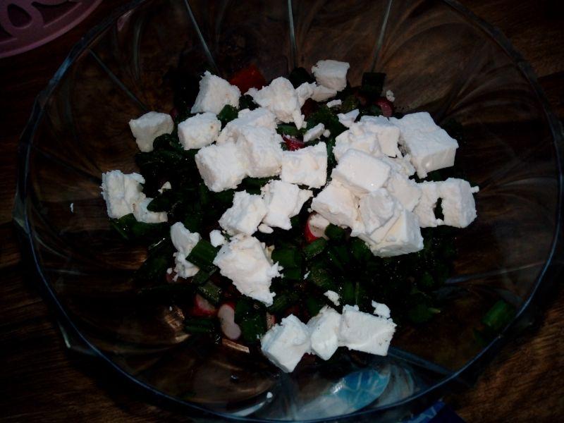 Szybka sałatka z serem feta