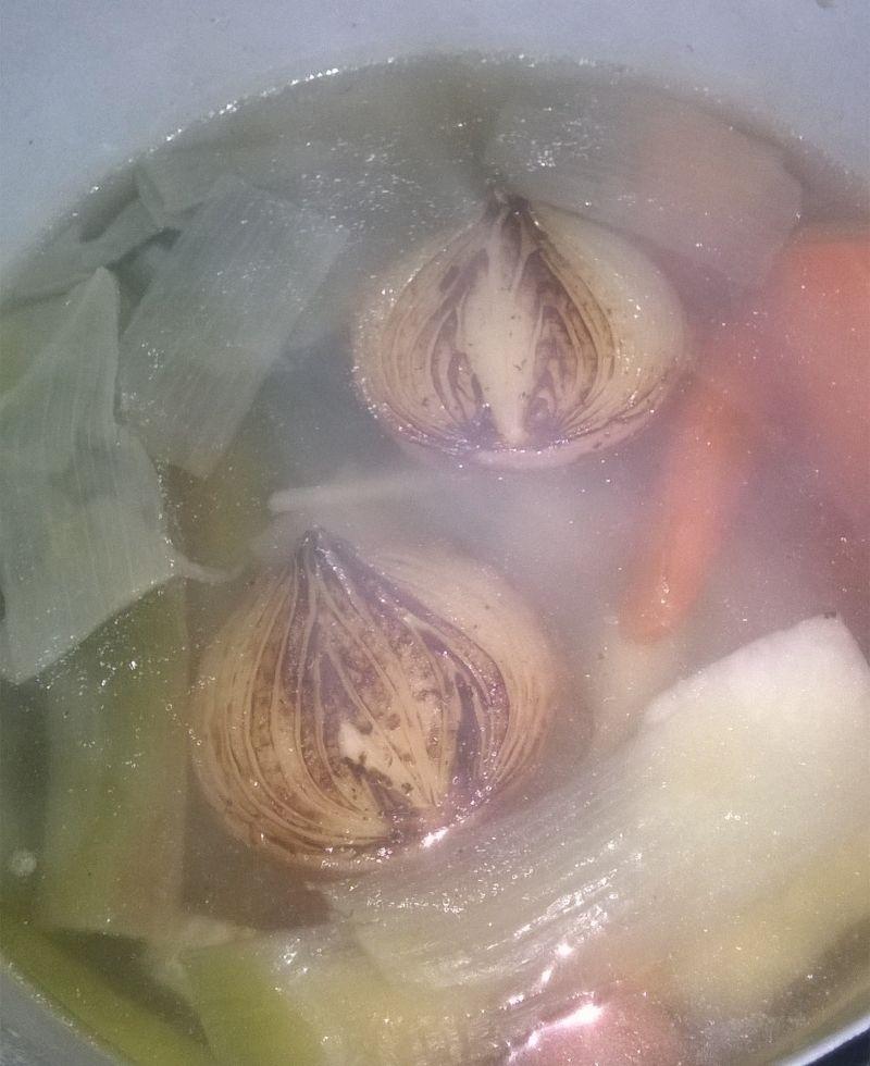 Szybki rosół na piersi z kurczaka