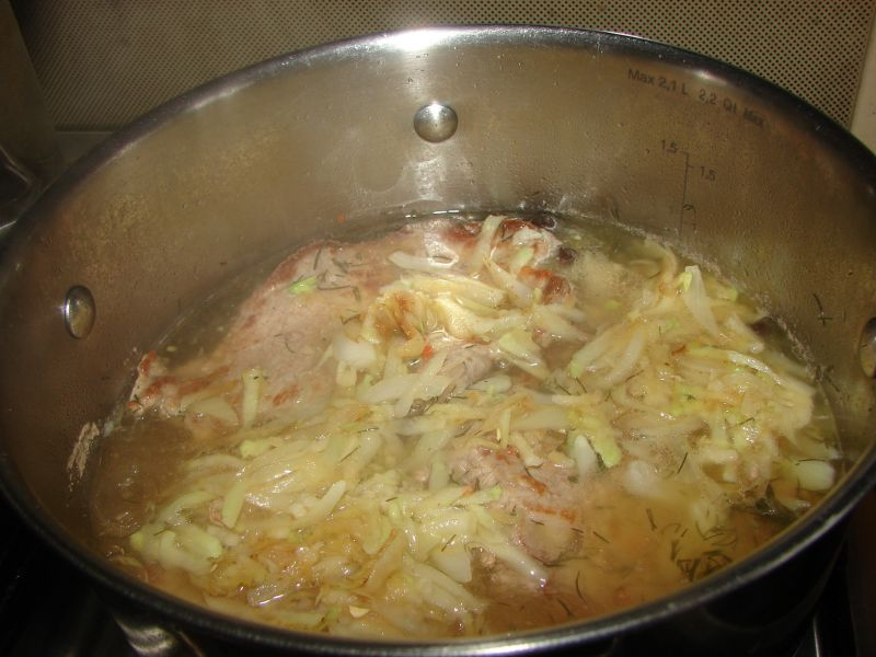 Szynka w sosie z dodatkiem kalarepki