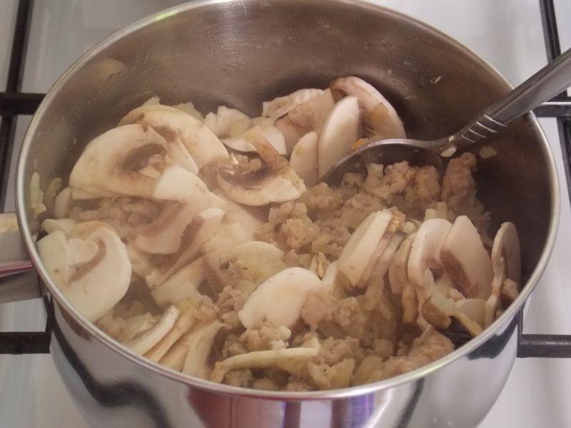 Tagliatelle z pomieszanym sosem