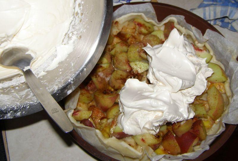 Tarta wieloowocowa z pianką bezową